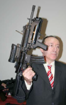 Turkish official with the Mehmetçik-1/HK-416