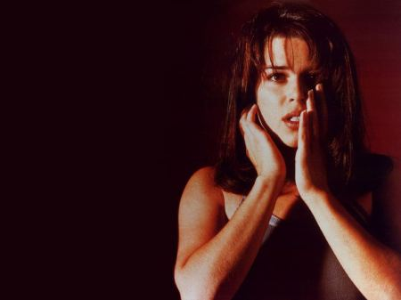 Neve-Campbell-21