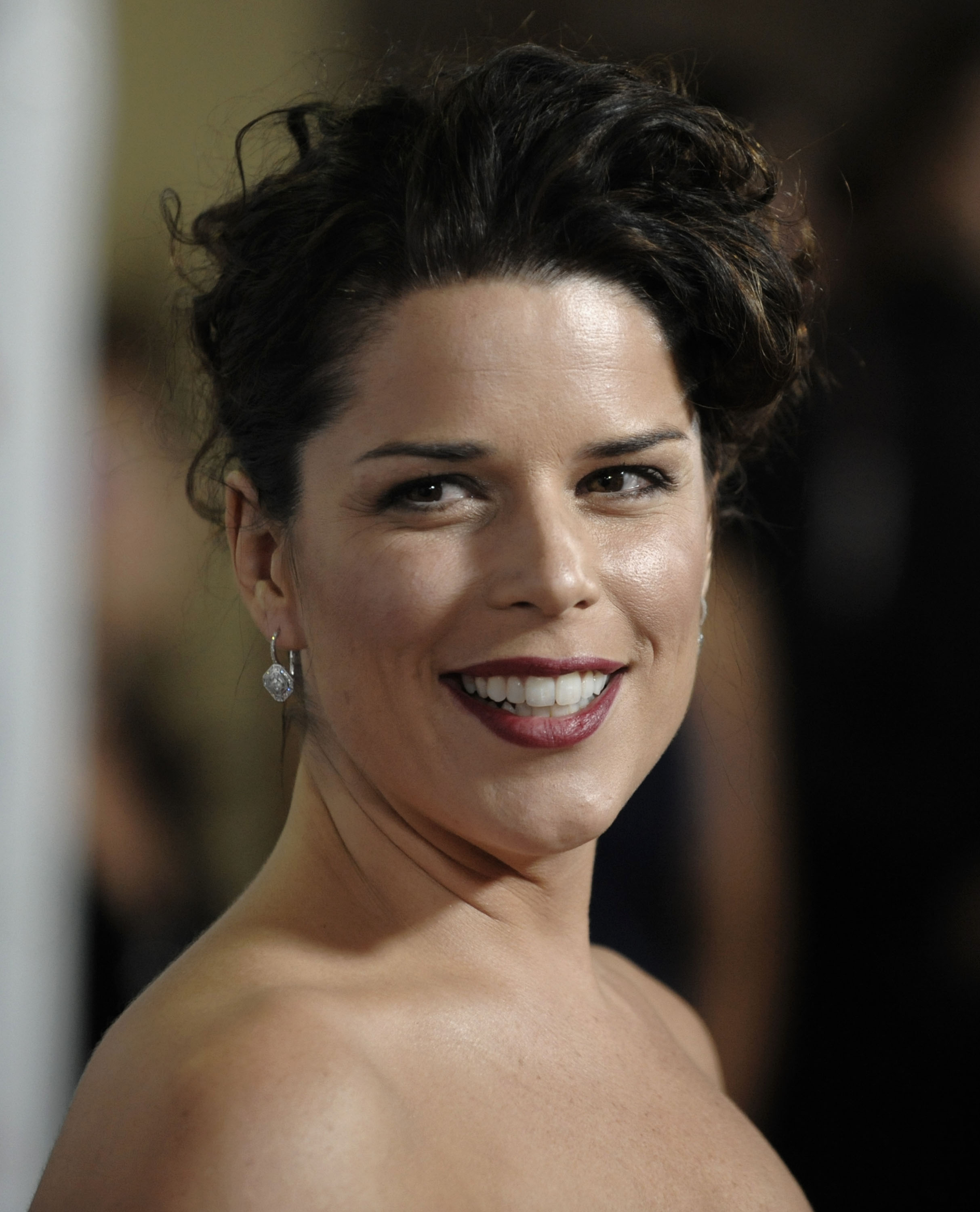 hot crew    neve campbell